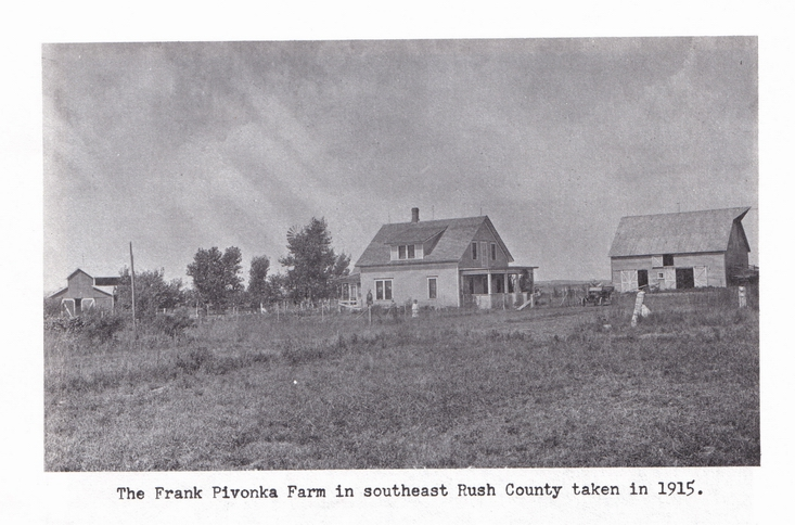 1915 Photo - Frank Pivonka farmstead